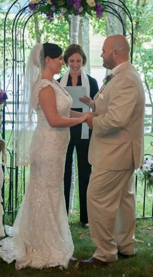 How To Find A Wedding Officiant Wedding Officiants