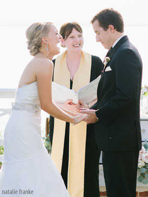 Wedding Officiants Find A Wedding Officiant Weddingofficiants Com